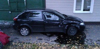 В Тамбове иномарка вылетела на тротуар: пострадал пешеход