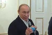 Хоккеисты сборной России отдали Путину золотую медаль ЧМ-2012