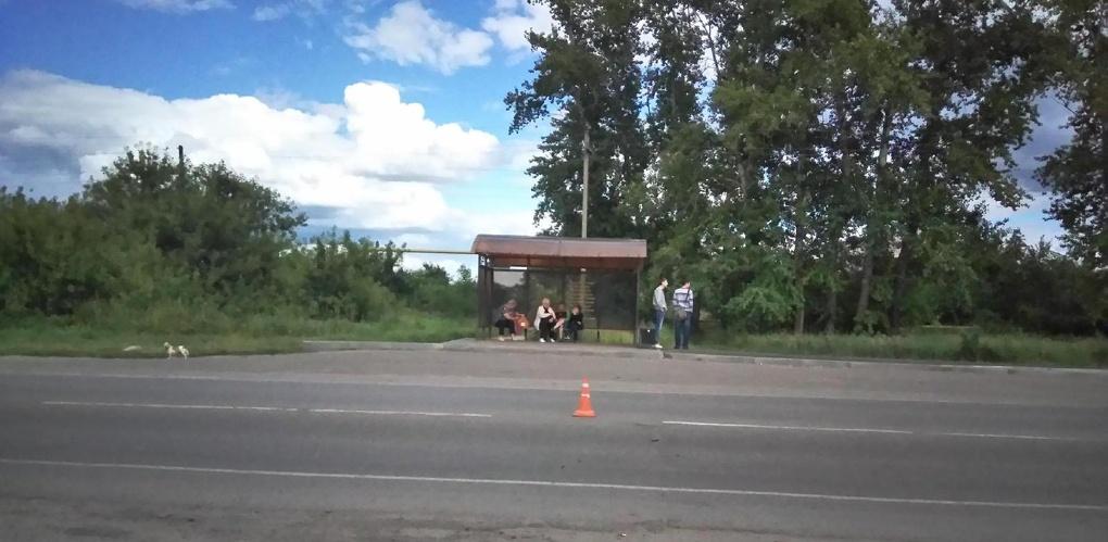 Иномарка сбила подростка, который внезапно выбежал на дорогу