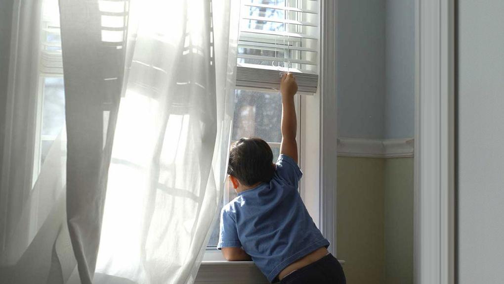 УМВД: В Тамбове участились случаи падения детей из окон