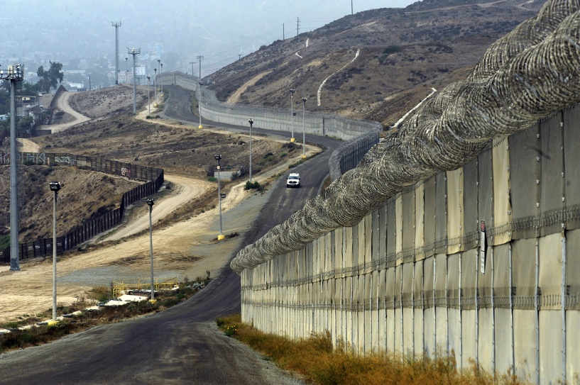 Кремль предостерег Украину от строительства стены на границе с Россией
