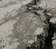 В России решили проблему дорог — узаконили ямы и выбоины