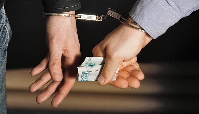 Автолюбители продолжают попытки подкупа сотрудников полиции
