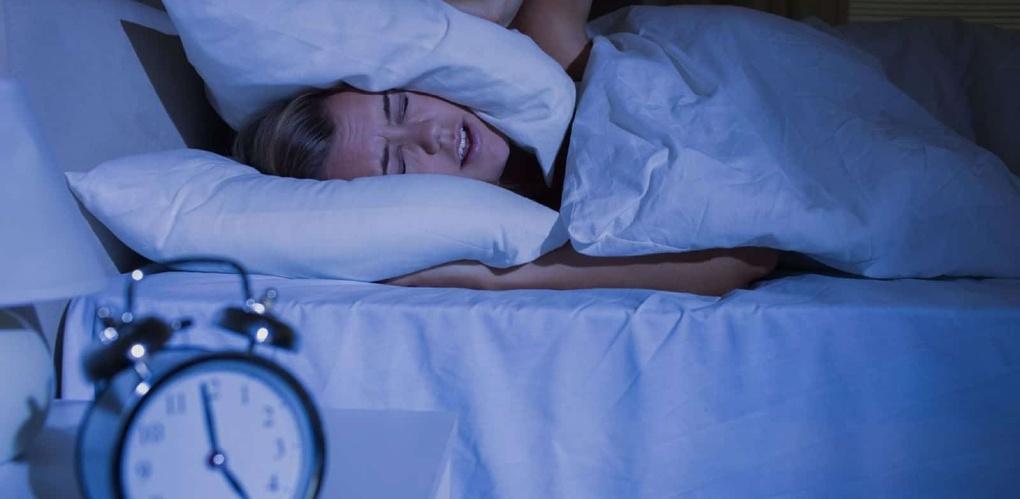Режим ночной тишины в квартирах предлагается закрепить на федеральном уровне