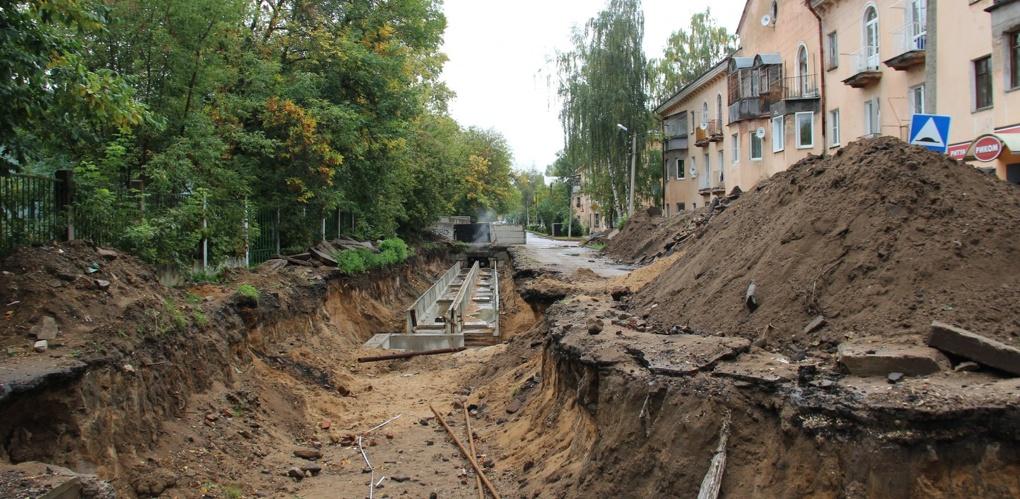 Закопать все разрытые ямы во дворах обещают 10 декабря