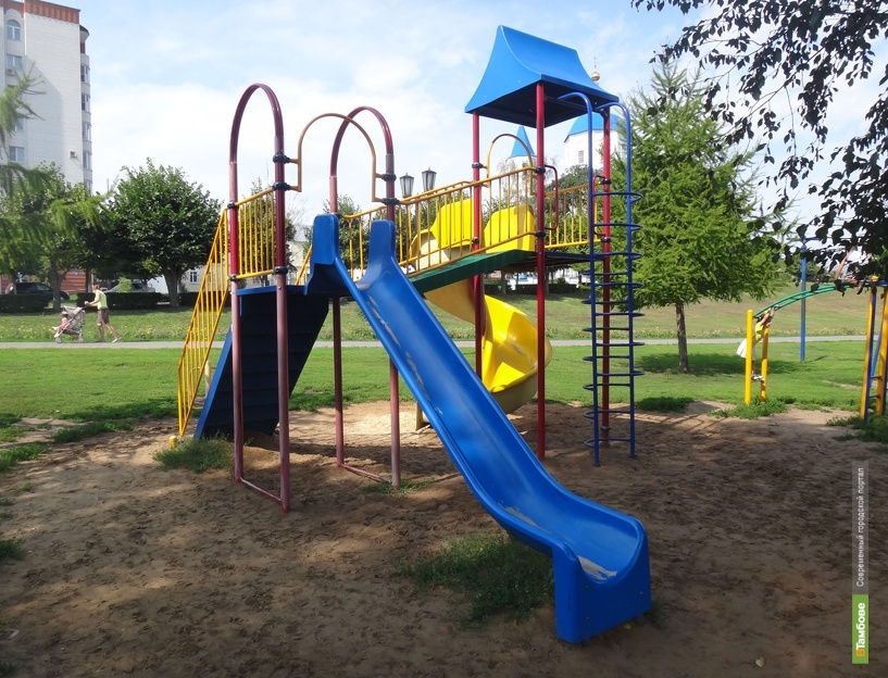 Помощница воспитателя Токаревского детсада пойдет под суд за падение с лестницы 7-летней девочки