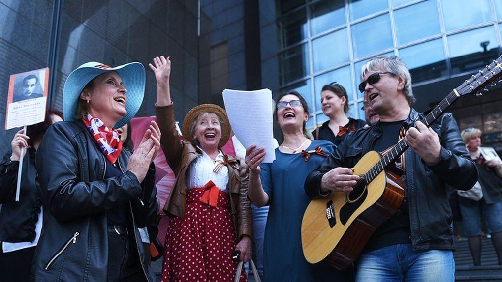 Победный флешмоб: песню «Катюша» перед Днем Победы спели более миллиона человек