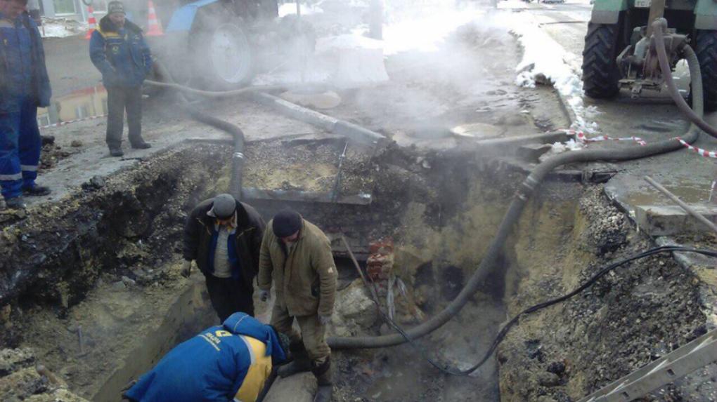 Подача тепла восстановлена: в Тамбове отремонтировали участок теплотрассы, где провалилась скорая