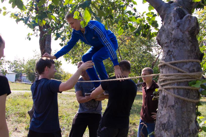 В МичГАУ первокурсники проходят «Веревочные курсы»