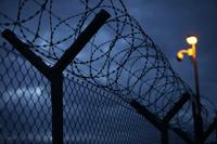 Россиян будут сажать в тюрьмы вместо колоний