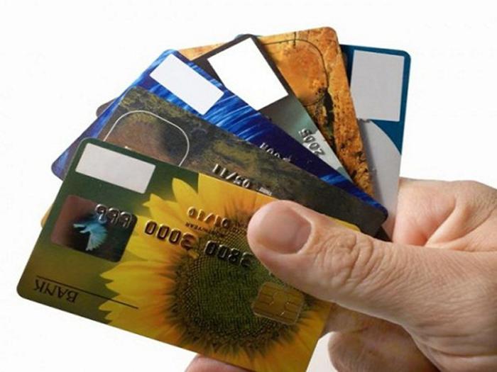 Покупатели с картами Gold и Platinum летом стали чаще посещать магазины