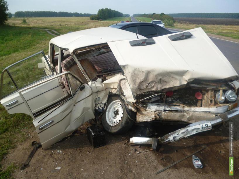 Водитель «шестёрки» уснул за рулём и врезался в Ford