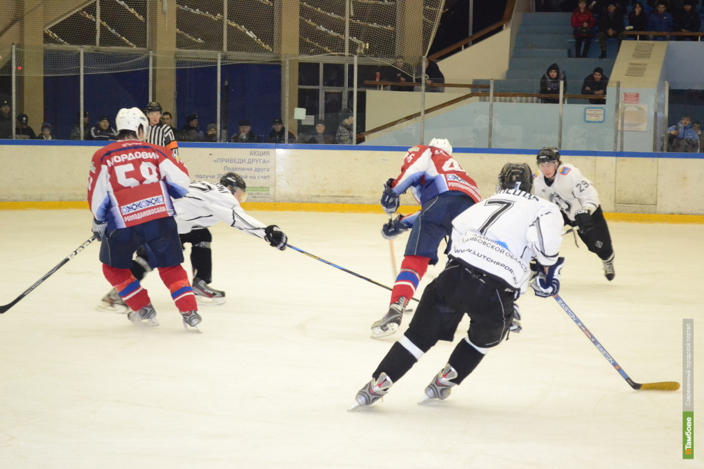 Саранские хоккеисты «замордовали» тамбовчан