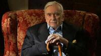В США от пневмонии скончался культовый писатель Гор Видал