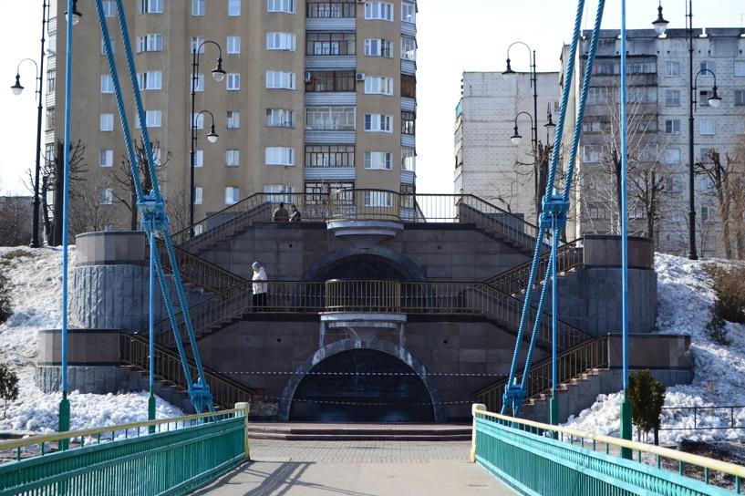 Триумфальная лестница в Тамбове продолжает рассыпаться