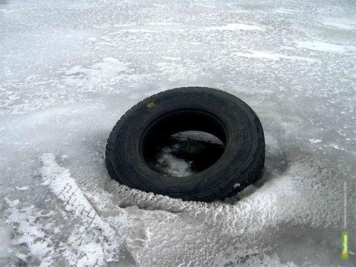 Солдат из Тамбова утонул под Тверью, катаясь на машине