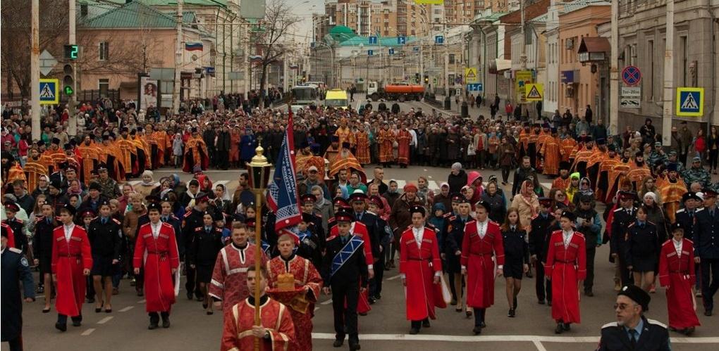 Верующие прошли крестным ходом по улицам Тамбова