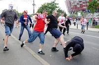 Российские болельщики остаются под арестом в Польше