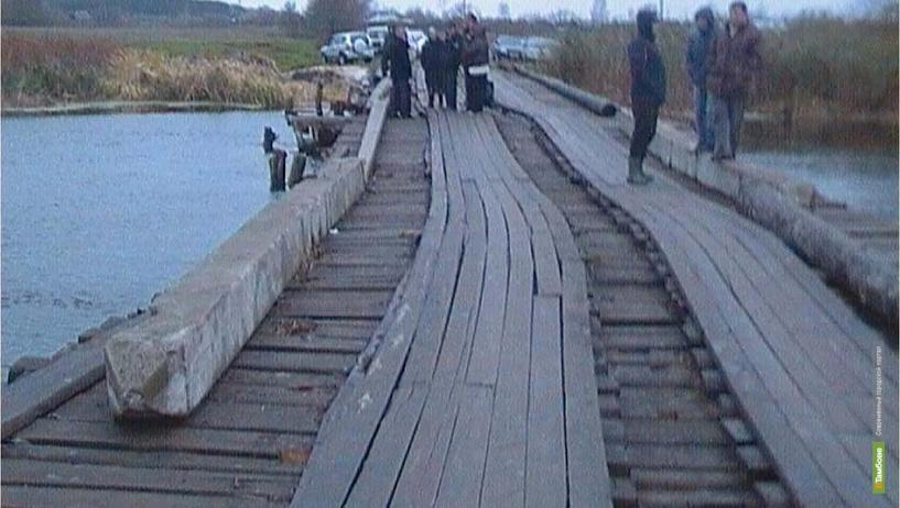 Иномарка улетела с моста в тамбовскую реку
