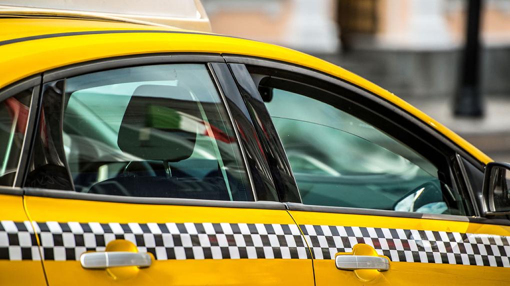 Теперь в Тамбове таксисты могут получить только электронную лицензию
