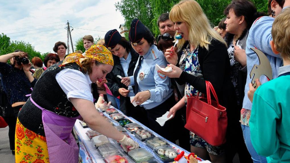 Яичница из 2,5 тысяч яиц: на Тамбовщине прошёл фестиваль «Кукарекино»