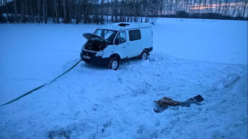 Микроавтобус улетел в кювет в Уваровском районе