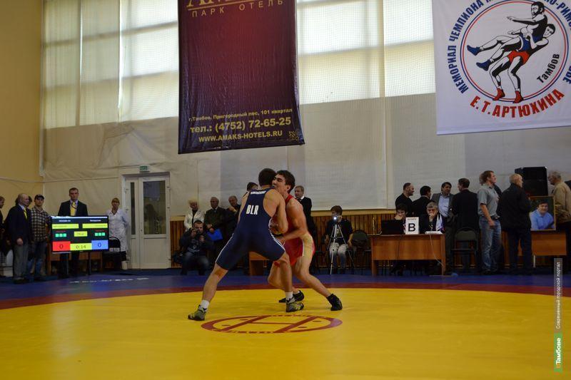 В Тамбове открылся турнир по греко-римской борьбе имени Е.Т. Артюхина