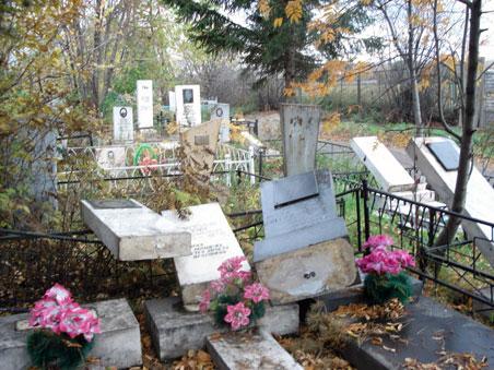 В Рассказово молодые люди пытались «подзаработать» на кладбище