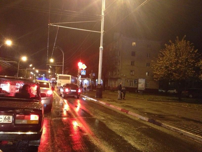 В центре Тамбова в ДТП попал рейсовый пассажирский автобус