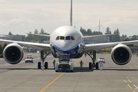 Европа по примеру Японии и США запретила полеты Boeing-787