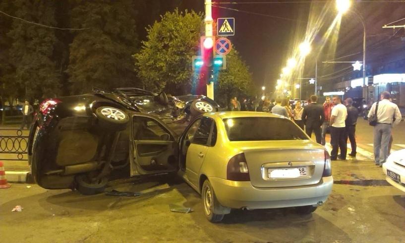 В центре Тамбова столкнулись два ВАЗа