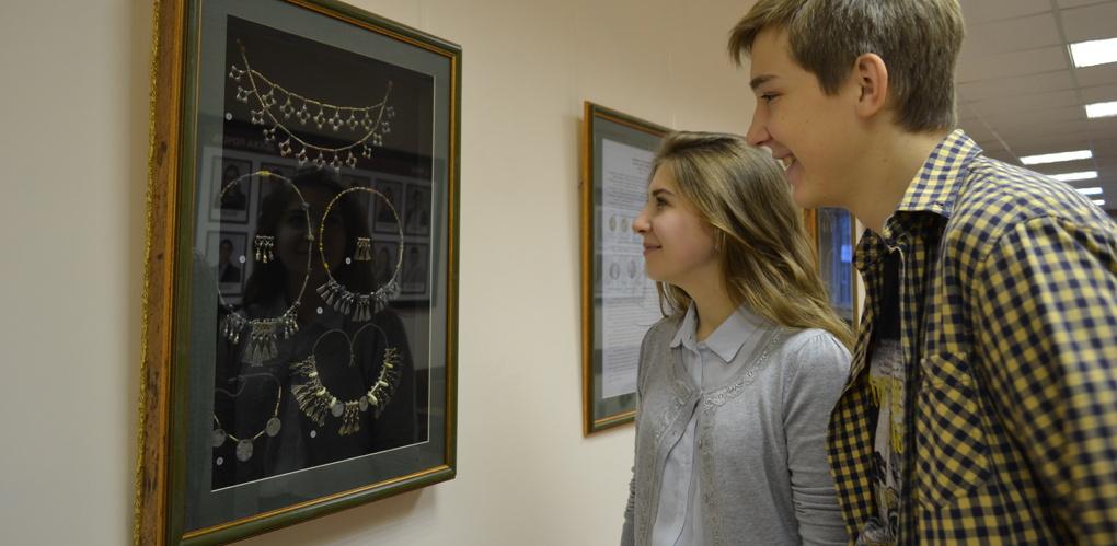 В Президентской академии открылась историко-краеведческая выставка, посвященная мордовской культуре