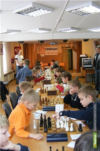 Маленькая тамбовчанка обыграла в шахматы всю Россию