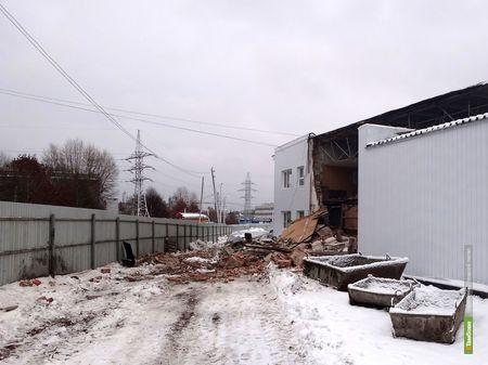 """""""Авто-рай"""" намеренно обрушил здание склада"""