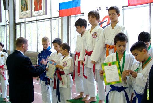 Тамбовские каратисты привезли золотые медали из Тулы