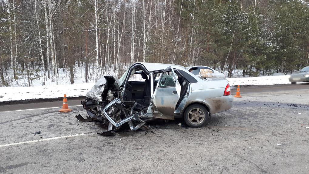 Серьезное ДТП на трассе: двое погибли, трое находятся в тяжёлом состоянии