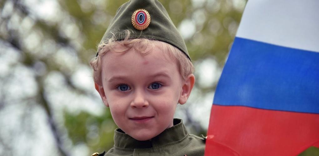 Патриотами себя считают 80% россиян
