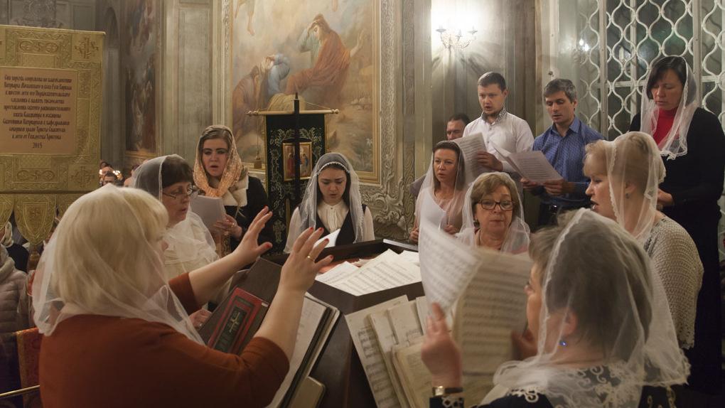 Митрополит Феодосий совершил Пасхальные богослужения в Спасо-Преображенском кафедральном соборе