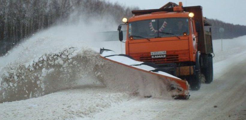Дорожники уже начали расчищать снег на федеральных трассах