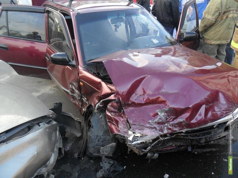 В Тамбове в ДТП столкнулись три иномарки