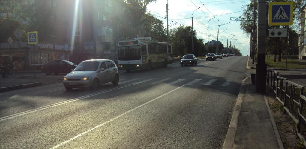Двое детей попали под колёса автомобиля на Мичуринской