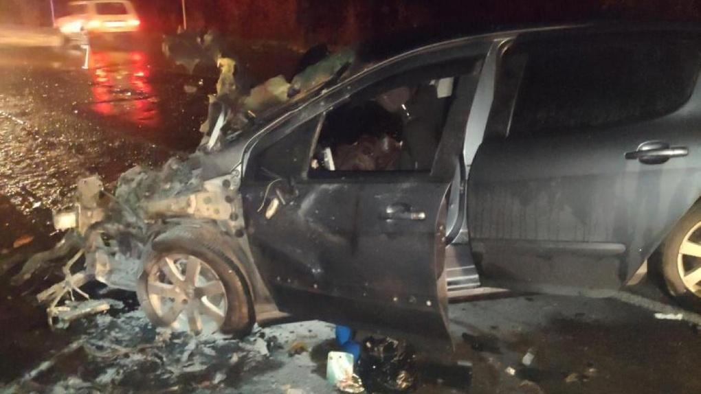На трассе под Тамбовом два человека погибли в ДТП