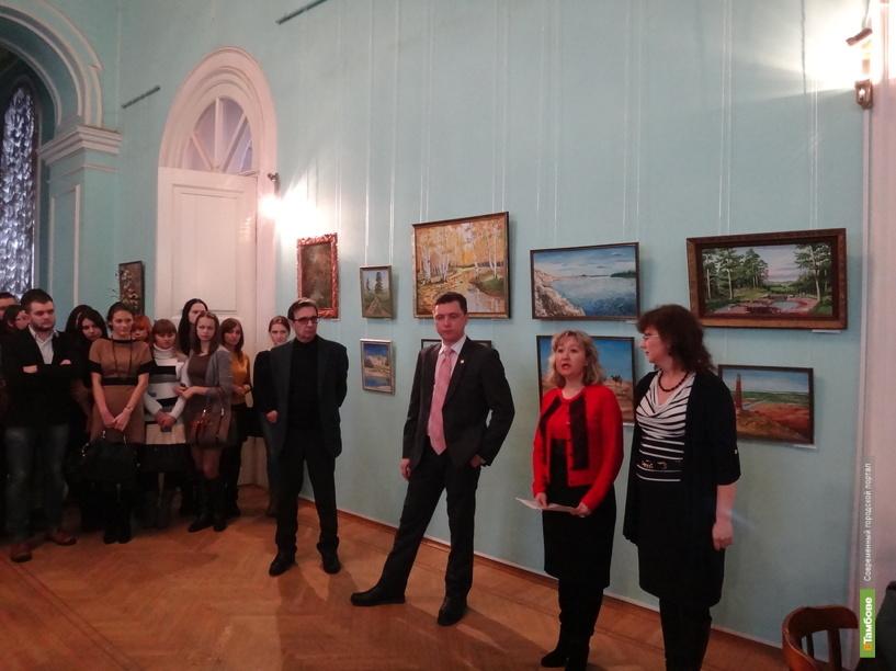 В картинной галерее открылась выставка работ душевнобольных
