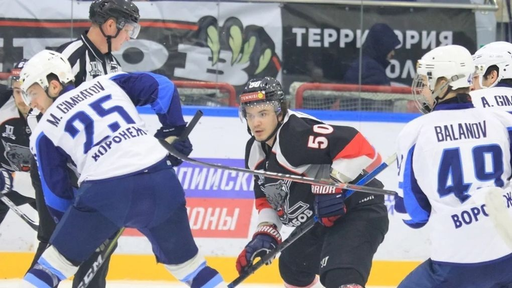 ХК «Тамбов» проиграл последний матч сезона «Бурану» и не попал в плей-офф