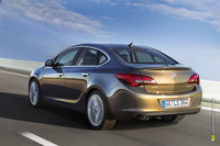 Объявлены рублевые цены на новый седан Opel Astra
