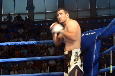 Тамбовчанин стал победителем на турнире по смешанным единоборствам