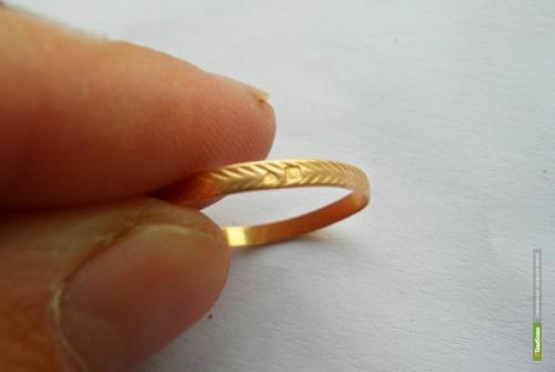 Тамбовчанка украла золотое кольцо у подруги