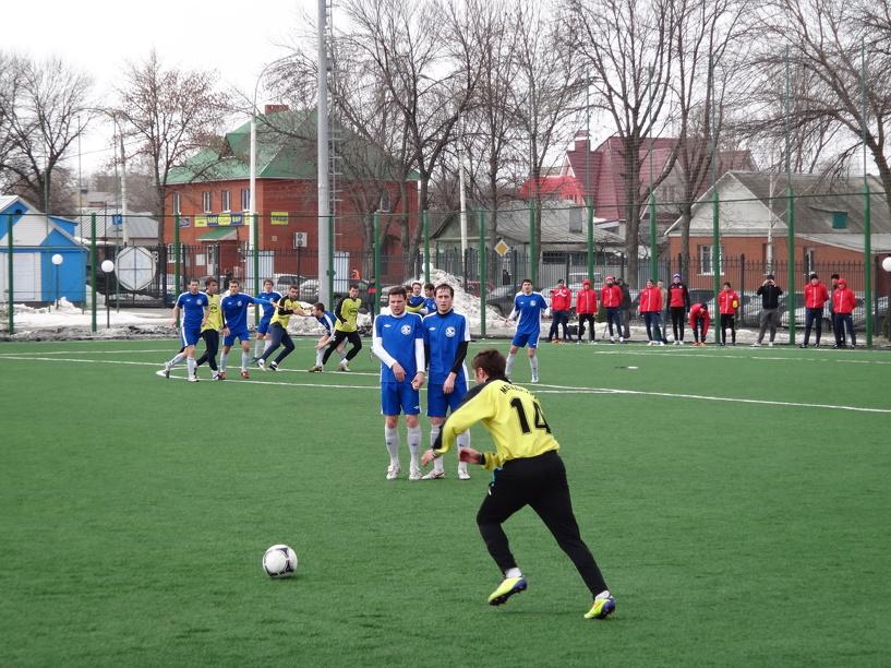 Развитие тамбовского футбола обсудили в Воронеже
