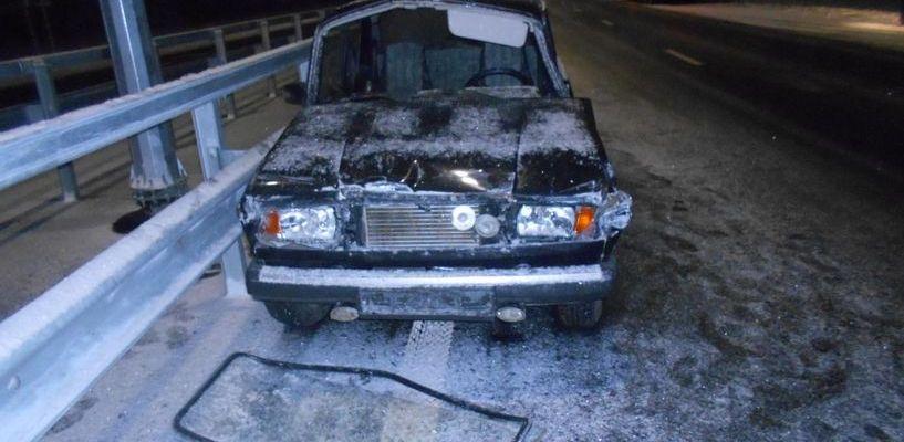 Водитель «семёрки» столкнулся с грузовиком и остался жив