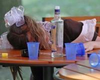 Онищенко умоляет школьников не пить на Последнем звонке